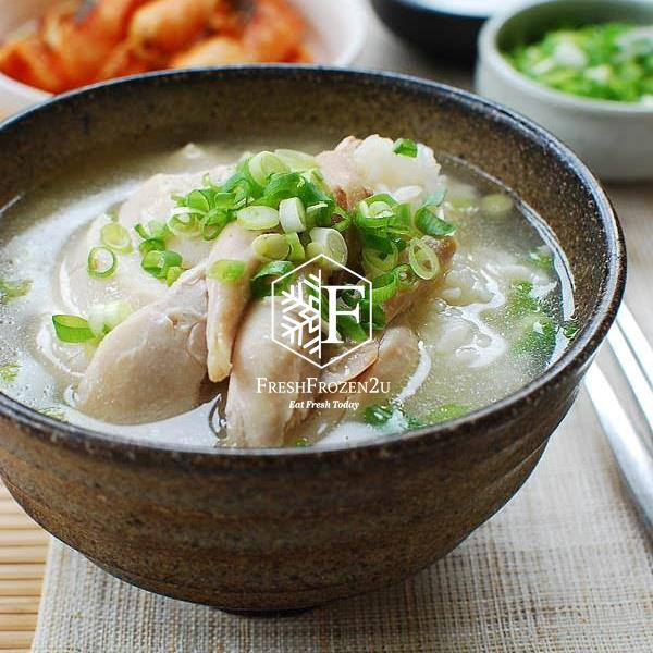 Korean Ginseng Chicken Soup Samgye-tang (800 g)